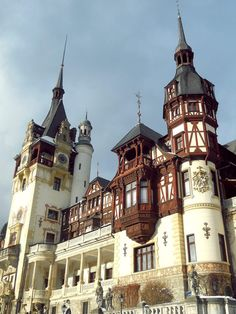 If you wish to enjoy a delightful winter scenery or a refreshing spring morning while breathing clean mountain air, then Sinaia is a perfect choice. Places To Travel, Places To Visit, Travel Destinations, Peles Castle, Visit Romania, Romania Travel, Porch And Balcony, Mall Of America, North America