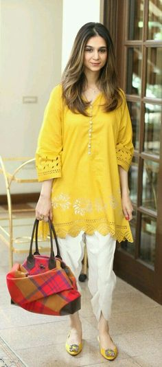 31 Fabulous Spring Outfits To Wear This Season, 31 Fabulous Spring Outfits To Wear This Season Pakistani Dresses Casual, Pakistani Dress Design, Indian Dresses, Indian Outfits, Kurta Designs, Blouse Designs, Woman Outfits, Chic Outfits, Spring Outfits