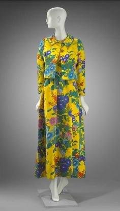 Fall 1969, America - Woman's ensemble in two parts (dress, jacket) by Arnold Scaasi - Voided velvet, printed; synthetic plain weave