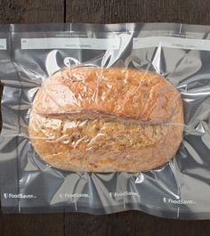 With Thanksgiving right around the corner, you may be putting those quarantine breadmaking skills to the test. Did you know you can vacuum-seal your freshly made creation? Food Saver Vacuum Sealer, Make Ahead Lunches, Just Bake, Preserving Food, Food Waste, Canning Recipes, Freezer Meals, Freezer Cooking, How To Make Bread