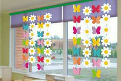 Bunny Garland for Easter Window Decor Kids Crafts, Christmas Crafts For Kids, Preschool Crafts, Diy And Crafts, Paper Crafts, Classroom Window Decorations, School Decorations, Classroom Decor, Spring Decorations
