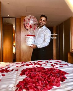 Plan a proposal 101 - Shiv & Ella - Swoonworthy proposal ideas for Indian Couples. Surprise Proposal, Proposal Ideas, Plan A, How To Plan, Wedding Proposals, Plan Your Wedding, Marry Me, Vows, Cute Couples