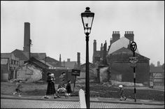 Marc Riboud, Leeds 1954 (think this might be the corner of Wade Lane and Merrion Street - Where Fairfax House is now) Marc Riboud, Old Pictures, Old Photos, Leeds City, My Town, Magnum Photos, Good Old, Willis Tower, Vintage Images
