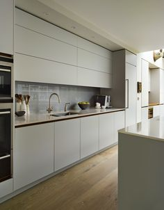 AGAIN RECESS COULD BE NICER IN FACT AND DEFO WORKS WITH MATT Roundhouse Urbo matt lacquer kitchen