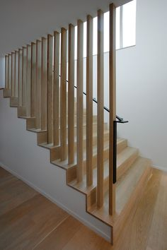 Project: Courtyard House on a River Architect: Robert Hutchison Architect www.r Stairs Ideas architect courtyard House Hutchison project River Robert wwwr Modern Stair Railing, Stair Railing Design, Home Stairs Design, Stair Handrail, Staircase Railings, Wooden Staircases, Modern Stairs, Interior Stairs, House Design