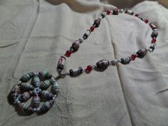 Paper bead necklace using old magazines