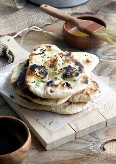 I love naan. Naan // click photo for recipe Think Food, I Love Food, Good Food, Yummy Food, Naan Recipe, Recipe Recipe, Recipe Ideas, Food Styling, Indian Food Recipes