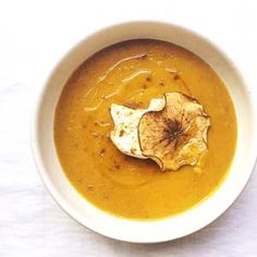 Roasted Curried Squash & Apple Soup by Chef Mike Ward Easy Delicious Recipes, Yummy Food, Healthy Recipes, Healthy Meals, Squash Apple Soup, Roasted Squash, Soups And Stews, Curry, Easy Meals
