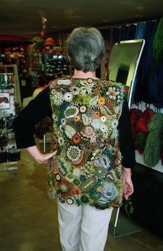 https://flic.kr/p/5tfq22 | Sin título | Back view of another gorgeous freeform vest created by Geraldine McGovern of Brisbane