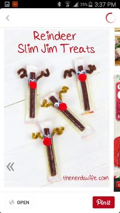 Class Treats Reindeer Slim Jim Treats -- perfect for winter holiday class parties or student gifts! ADReindeer Slim Jim Treats -- perfect for winter holiday class parties or student gifts! Holiday Snacks, Christmas Snacks, Snacks Für Party, Homemade Christmas Gifts, Christmas Goodies, Christmas Candy, Christmas Holidays, Christmas Class Treats, Womens Christmas Gifts