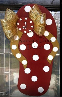 Flip Flop wood door hanger by NancysDoorDecor on Etsy, $38.00