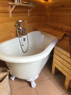 Clawfoot Bathtub, Bathroom, Hot, Clawfoot Tub Shower, Washroom, Bath Room, Bathrooms, Bath, Bath Mat