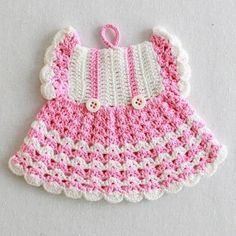 Watch Maggie review these super cute Vintage Fashion Potholder Crochet Patterns! Design by: Maggie Weldon Skill Level: Intermediate Crochet Thread Size 10: Red