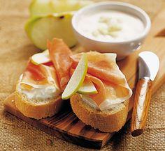 Crostini con speck e crema di mele ricetta