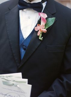 Junebug Weddings - Wedding Photo Gallery – Photography - Ideas - flowers - boutonniere calla lilly and orchid bloom