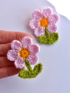 Crochet Accessories, Bag Accessories, Clothing Accessories, Crochet Flower Tutorial, Crochet Flowers, Leaf Flowers, Flower Pots, Crochet Motif, Knit Crochet