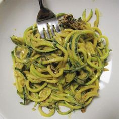 Zucchini Pasta with Creamy Cheese Sauce - Shape Magazine Healthy Holiday Recipes, Fall Recipes, Raw Food Recipes, Cooking Recipes, Vegetarian Recipes, Healthy Dinners, What's Cooking, Healthy Foods, Raw Nuts