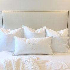 White on white on white - the perfect layers topped with a Bobbins monogram!  #luluandmehome #customizeinteriors @bobbinsdesign