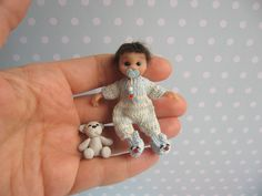 OOAK Baby BOY 1:12 Beweglich Handgemacht - Dollhouse Polymer Clay doll Handmade  Made by Mam-m-mi http://www.ebay.de/usr/mam-m-mi