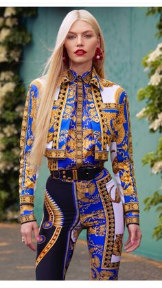 Ideas Fashion Photography Inspiration Editorial Harpers Bazaar For 2020 Versace Fashion, New Fashion, Runway Fashion, Trendy Fashion, Fashion Models, High Fashion, Fashion Outfits, Womens Fashion, Fashion Trends