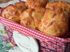 Cheddar cheese popovers