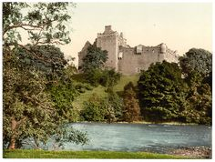 Doune Castle, near Stirling, seen here from the banks of the River Teith. The castle owes much of its present appearance to Robert Stewart, Duke of Albany, who was the dominant force in Scottish politics from the 1380s until 1420. Doune has been featured as a location in Game of Thrones, Outlander, and Monty Python and the Holy Grail.