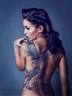 Tattooed Girl - Phoenix back tattoo Pretty Tattoos, Love Tattoos, Sexy Tattoos, Body Art Tattoos, Beautiful Back Tattoos, Girl Back Tattoos, Back Tattoo Women, Tattoos For Women, Sexy Tattoo Girls