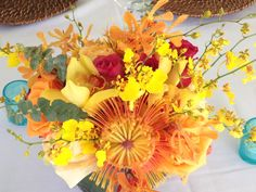 Coral and Teal wedding #coral #yellow #wedding