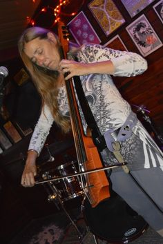 Ilene McHolland of The Freewheelers playing her 6 string NS electric cello