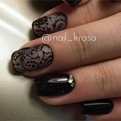 Beautiful nail art. I wish the page weren't in Russian do I could figure out how to do this design.