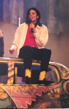 Michael Jackson this is my favorite.. He performed will you be there if im not mistaken  at the mtv music awards