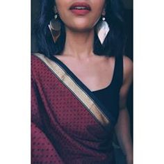 Used Sterling Silver Jewelry Info: 1889997916 Trendy Sarees, Stylish Sarees, Indian Wedding Outfits, Indian Outfits, Indian Clothes, Indian Dresses, Saree Jewellery, Gold Jewellery, Sari Dress