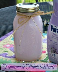 Mommy's Kitchen: Homemade Fabric Softener. Uses white vinegar and hair conditioner.