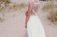 Robe ABEILLE  #mariage #mariée #robe #Robedemariée #weddingdress #wedding #bride #bridetobe #lace #dentelle #plage #faitmain #artisanat #madeinfrance