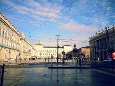 Castello. Piazza.