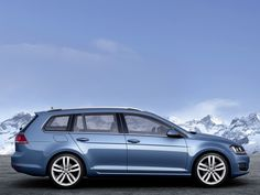 Lists prices for the VW Golf Variant The Wolfsburg-wheel combo takes up to 2000 kg on the hook and is more economical than its predecessor. Volkswagen Golf Variant, Vw Golf Variant, Vw Golf Tdi, Vw Wagon, Passat 3c, Passat Variant, Golf Tips For Beginners, Vw Beetles, Porsche