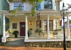 Newport RI Hotels: Find Bed & Breakfast Lodging in Downtown Newport