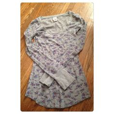 Cute gray floral long sleeve thermal!! This is so cute and perfect for fall!! It's great layered or by its self!! Looks good with almost anything!! It comes from a smoke free environment! I will not do trades!!  This is being sold for a friend so please no low balling! Mossimo Supply Co. Tops Tees - Long Sleeve