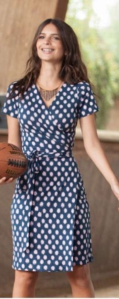 Who made Emily Ratajkowski's blue print wrap dress?