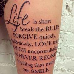 Spruch Tattoo Oberschenkel