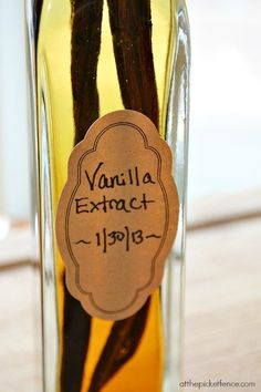 homemade vanilla extract label from atthepicketfence.com