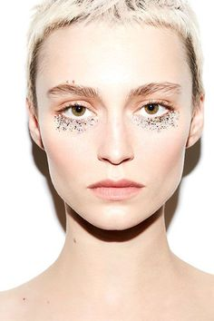 This glitter eyes tutorial is outrageously pretty.