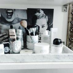 "187 To se mi líbí, 8 komentářů – Guðrún Hafdís (@gha2511) na Instagramu: ""Good morning my friends💛💛#myhome #instahome #instadecor #diptyque #byredo #madisonilmhus #marble…"""