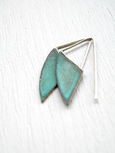 Boucles d'oreilles de vert-de-gris géométriques  vert par alibli