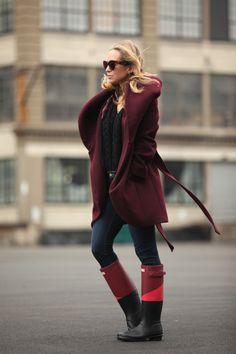 Those Hunter Boots! Black Multi Hunter Boots by Brooklyn Blonde Brooklyn Blonde, Winter Wear, Autumn Winter Fashion, Winter Stil, It Goes On, Look Chic, Winter Looks, Hunter Boots, Love Fashion