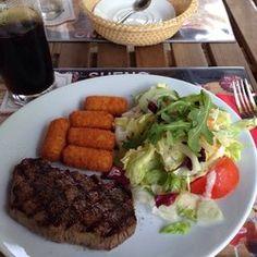 Sueńo Argentinisches Steakhouse. Good steaks in Berlin! http://www.yelp.com/biz/sue%C5%84o-argentinisches-steakhouse-berlin