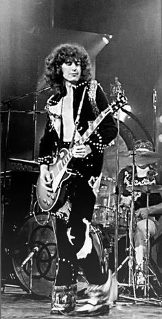 Jimmy Page of Led Zeppelin playing at Shepperton Studios for extra footage for the concert movie The Song Remains The Same.