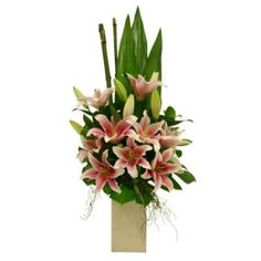 flower arrangements with lilies