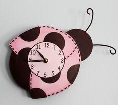 Perfect gift for niece ladybug-wooden-wall-clock-for-girls Cute Clock, Diy Clock, Clock Ideas, Baby Bedroom, Girls Bedroom, Girl Nursery, Girl Room, Ladybug Nursery, Diy Crafts Slime