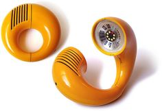 "National Panasonic ""Toot-a-Loop"" radio model R-72 S, Designed in 1972.   Photo by gerson lessa."